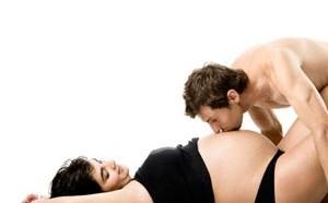 Можно ли беременным заниматься сексом и как